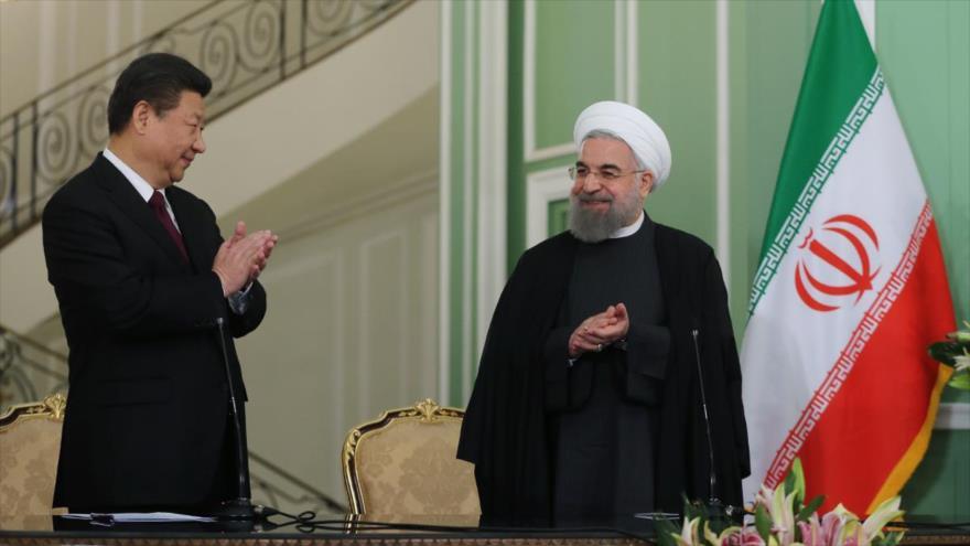 'Acuerdo China-Irán ayuda a deshacerse del dólar estadounidense' | HISPANTV
