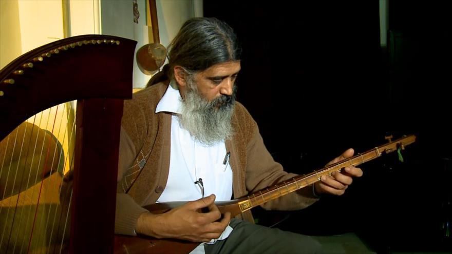 Irán: 1- Paintball en Irán 2- Música tradicional de Irán 3- Atracciones turísticas de Hamedan