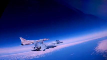 Cazas rusos interceptan aeronaves espía de EEUU sobre el mar Negro