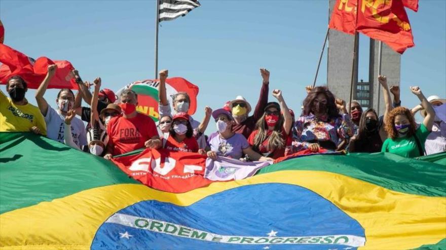Los brasileños piden impeachment de Bolsonaro por su mala gestión