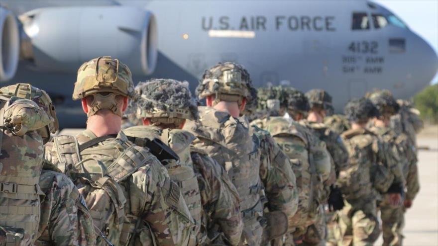 El Ejército de EE.UU. se despliega desde Pope Army Airfield, Carolina del Norte, 1 de enero de 2020.
