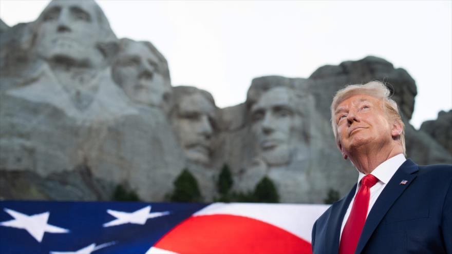 El presidente de EE.UU., Donald Trump, llega a un acto por el Día de la Independencia, Dakota del Sur, 3 de julio de 2020. (Foto: AFP)