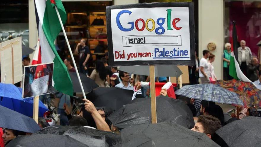 Manifestantes marchan para conmemorar el Día Mundial de Al-Quds en Berlín (capital alemana).