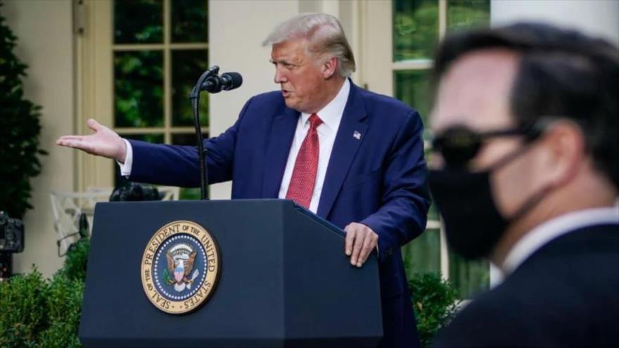 El presidente de EE.UU., Donald Trump, ofrece una conferencia de prensa en los jardines de la Casa Blanca, el 14 de julio de 2020.