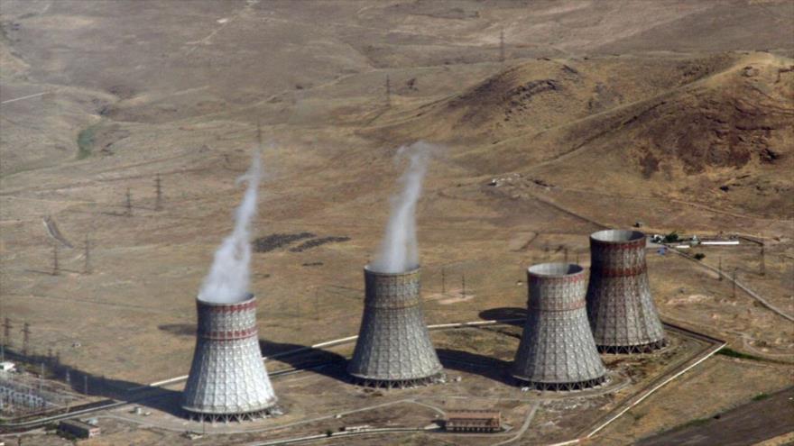 Azerbaiyán amenaza con destruir central nuclear de Armenia | HISPANTV