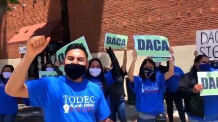Mexicanos con DACA analizan supuesta opción para ciudadanía