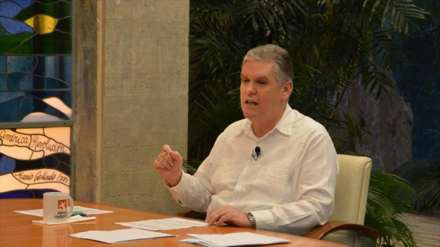 Cuba elimina gravamen a dólar de EEUU como incentivo económico