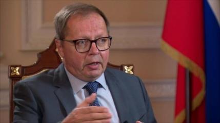 Rusia desmiente robo intelectual de vacuna contra COVID-19