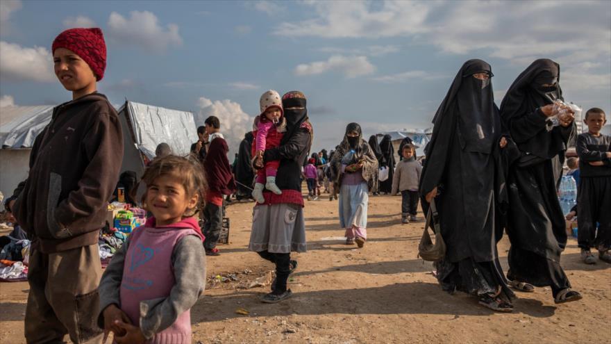 Refugiados sirios en el campamento de Al-Hol, en Al-Hasaka (noreste), 8 de mayo de 2019. (Foto: NYT)