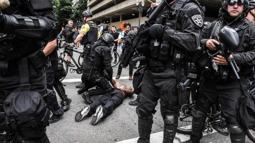 Oregón demanda al Gobierno federal de EEUU por arrestos en marchas | HISPANTV