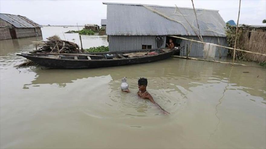 Monzón deja más de 200 muertos en el sur de Asia