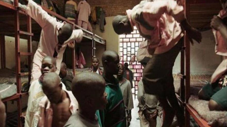 Presos en la cárcel de Gitarama en Ruanda.
