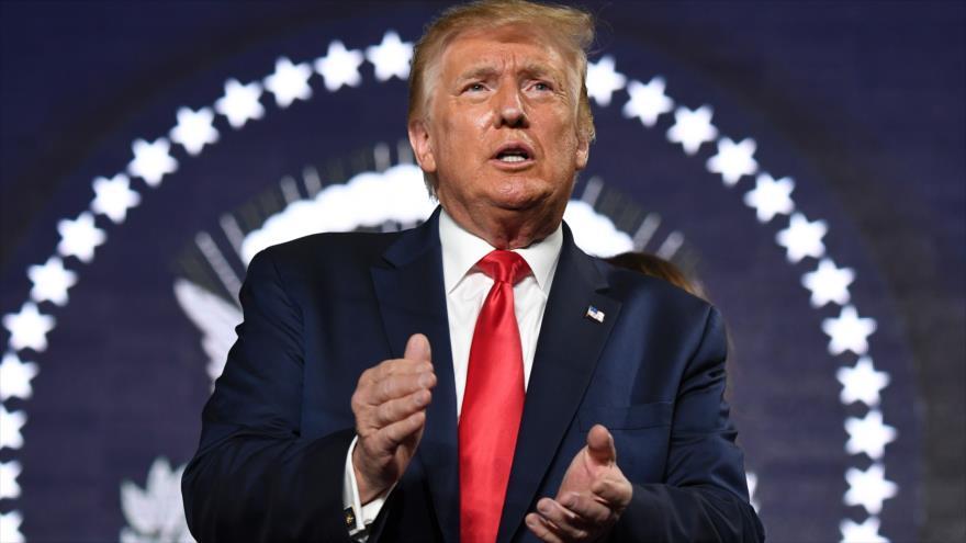 El presidente de EE.UU., Donald Trump, aplaude en un acto en Dakota, 3 de julio de 2020. (Foto: AFP)