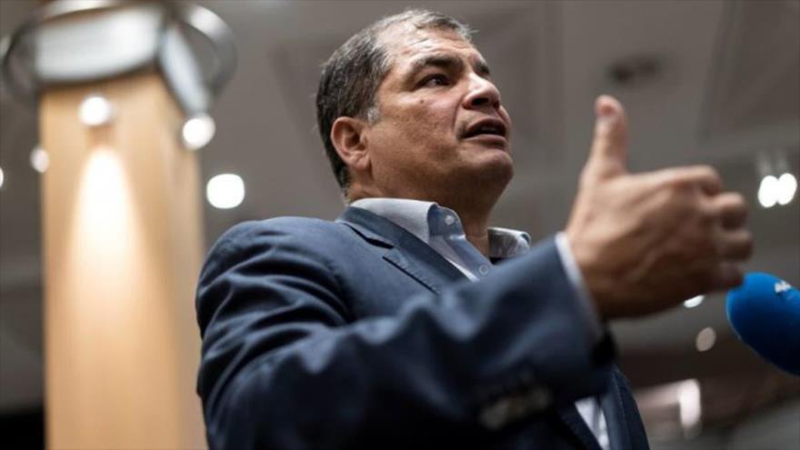"""Correa tilda de """"dictadura"""" suspensión de su partido ante comicios"""