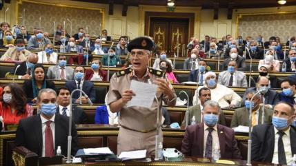 Parlamento egipcio da luz verde a intervención militar en Libia