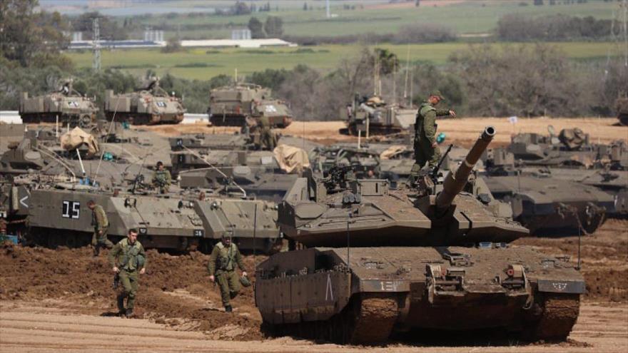 Tanques del ejército israelí desplegados en una maniobra militar.