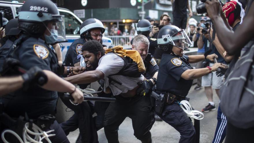Nueva York amenaza con demandar a Trump si envía tropas federales | HISPANTV