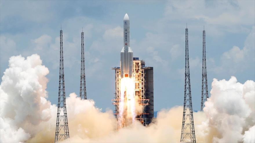 Vídeo: China lanza con éxito su primera misión a Marte