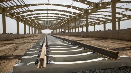 Irak comenzará pronto construcción de línea ferroviaria con Irán