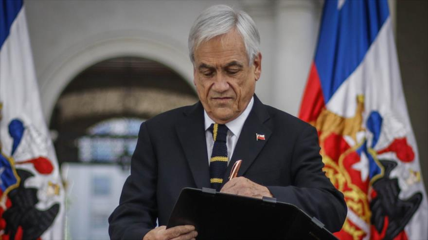 Piñera promulga en privado ley para retiro de fondos de pensiones | HISPANTV