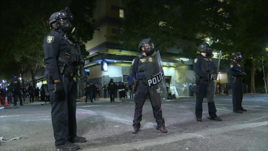 Policía estadounidense sigue reprimiendo a los manifestantes   HISPANTV