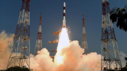 La India envía satélite espía sobre Tíbet; China moviliza tropas