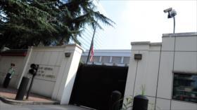 Vídeo: China arría bandera de EEUU en consulado general en Chengdu
