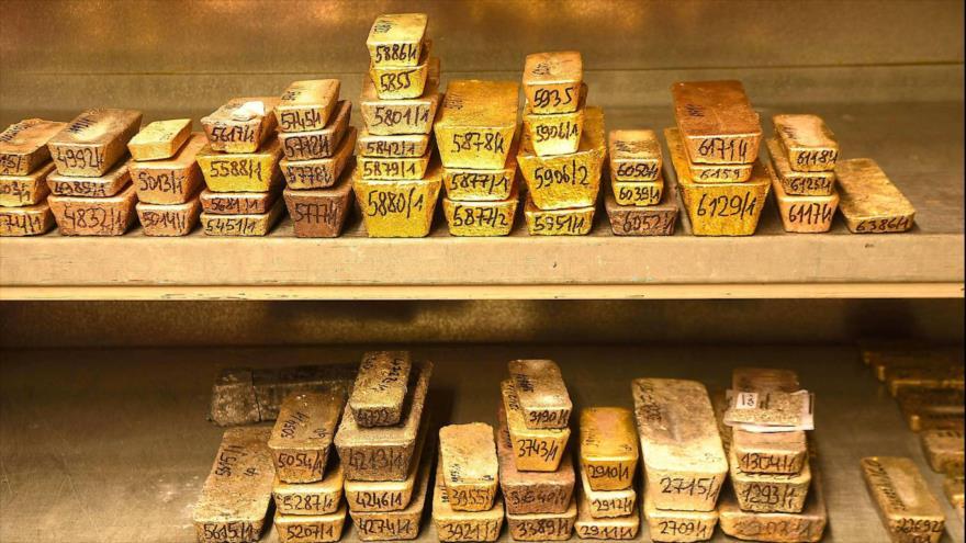 Precio de oro bate récord a $1930 la onza en medio de COVID-19 | HISPANTV
