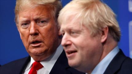 Informe: Johnson, en privado, desea que Trump pierda las elecciones