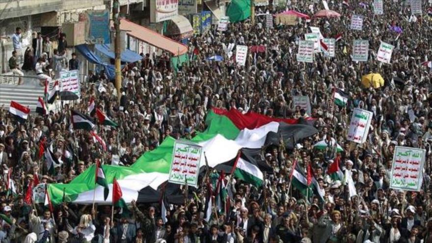 Yemeníes marchan en apoyo a Palestina en Saná, capital.