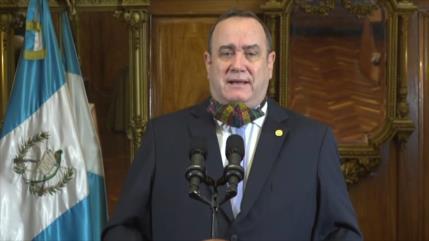 Diputados en Guatemala le reclaman al presidente por reapertura