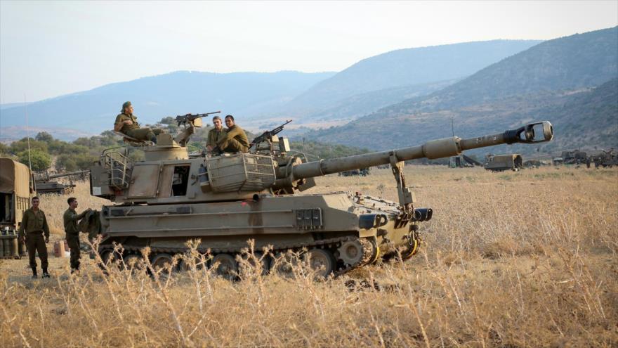 Fuerzas israelíes desplegadas cerca de la frontera libanesa en los altos del Golán, 27 de julio de 2020.