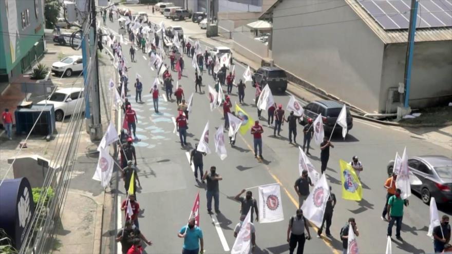 Marchan en Panamá contra reformas laborales