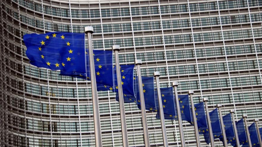 Las banderas de la Unión Europea (UE) fuera de la sede de la Comisión Europea en Bruselas, capital de Bélgica.