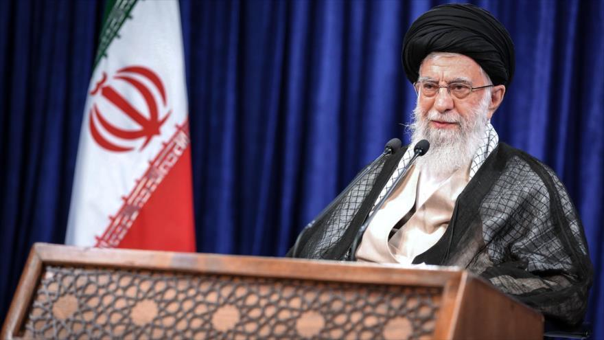 """Líder de Irán urge a mantener solidaridad y espíritu """"revolucionario"""""""