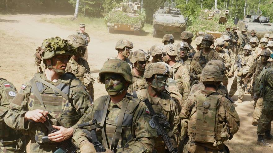 Militares polacos y estadounidenses participan en ejercicios conjuntos en Polonia, 17 de junio de 2020. (Foto: AFP)