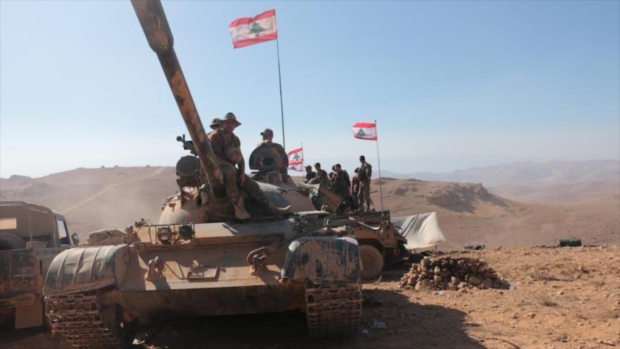Tanques del Ejército libanés en una maniobra militar.