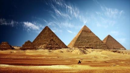 Egipto responde a Musk: Pirámides de Giza no son obra de alienígenas
