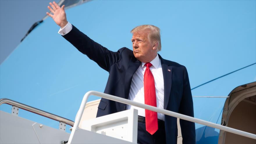 Congresista de EEUU: Trump es un dictador como Mussolini