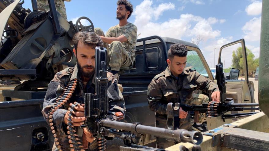 Las fuerzas de Ejército Nacional Libio (ENL), liderado por Jalifa Haftar, en la ciudad libia de Sirte, 6 de julio de 2020. (Foto: Reuters)