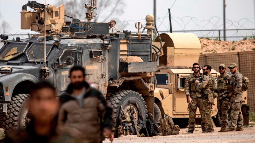 Fuerzas estadounidenses desplegadas en la provincia siria de Deir Ezzor (este), 23 de marzo de 2019. (Foto: AFP)