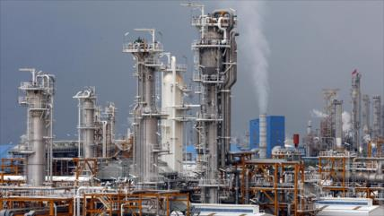 Avanza industria petrolera de Irán a pesar de sanciones de EEUU
