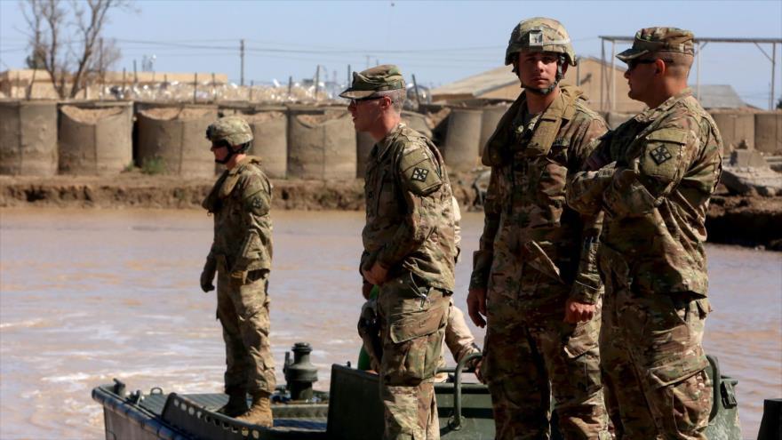 Soldados estadounidenses desplegados cerca del complejo de la base de Al-Tayi, en el norte de Bagdad, capital de Irak.