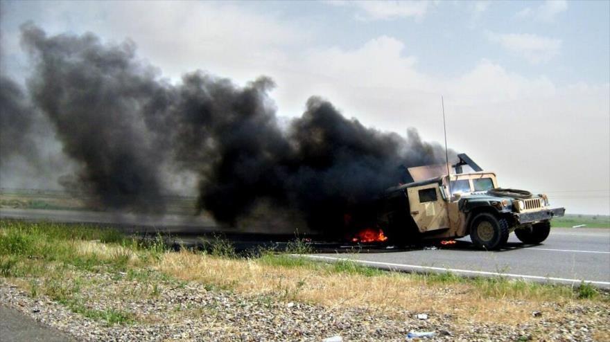 Convoy militar de EEUU en llamas tras ser golpeado en el sur de Irak
