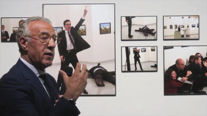 Fotos que sacuden al mundo: Disparó fatalmente en el Museo