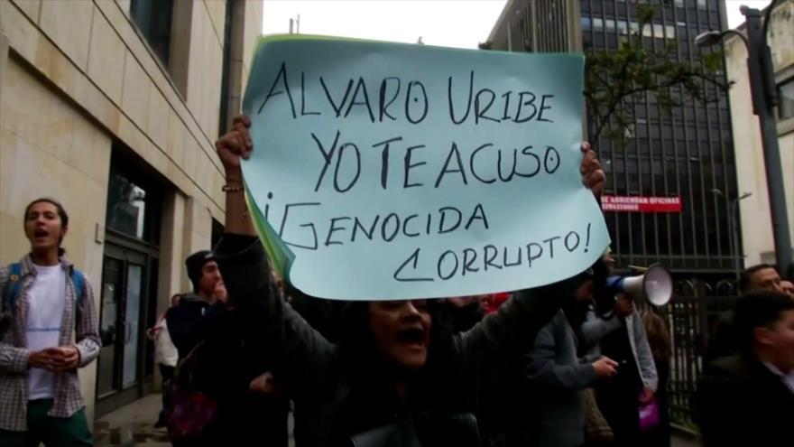 Oposición colombiana elogia decisión de detención de Uribe