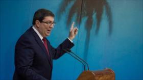 'EEUU acusa a médicos cubanos para distraer atención de su crisis'