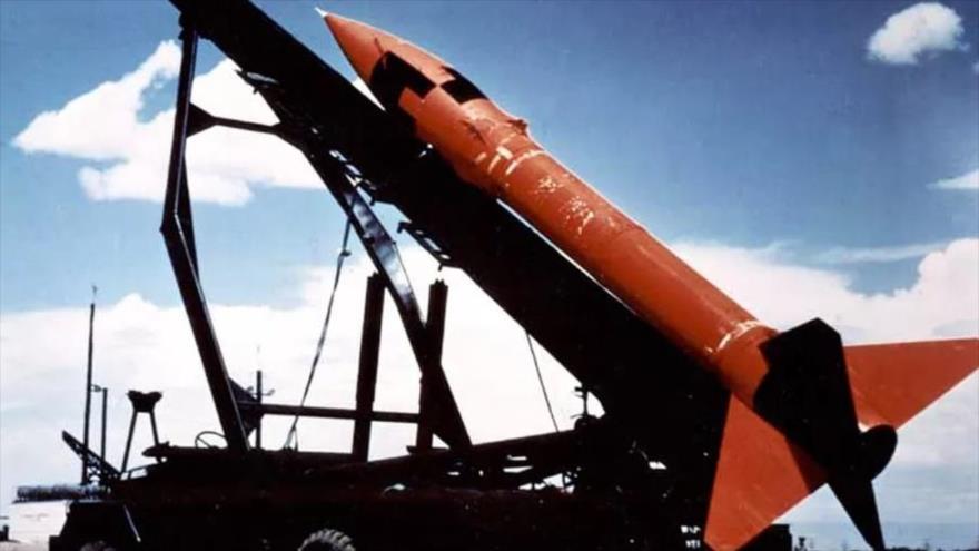 Un MGR-1 Honest John, el primer cohete con punta nuclear de Estados Unidos. (Foto: US Army)