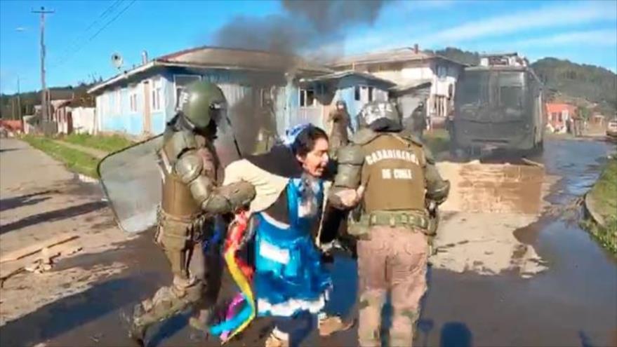 Vídeo: Cruda represión de carabineros contra mapuches en Tirúa