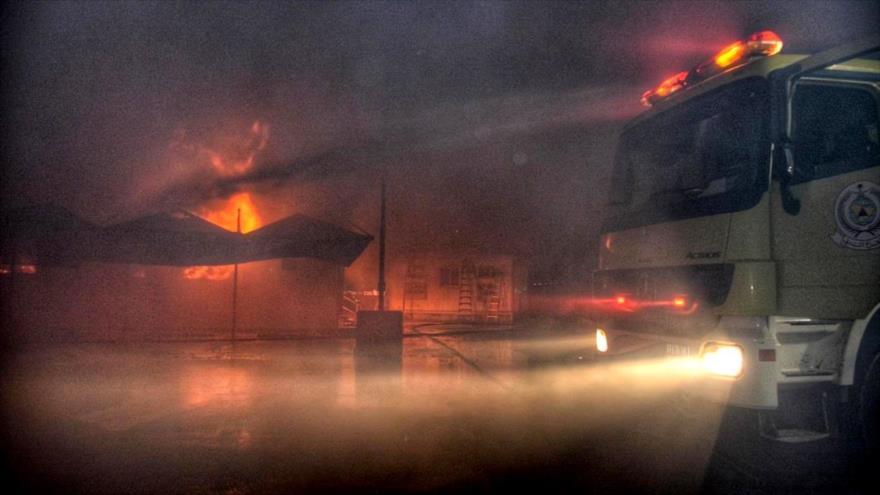 Vídeo: Fuerte incendio cerca de una estación de tren saudí en Yeda